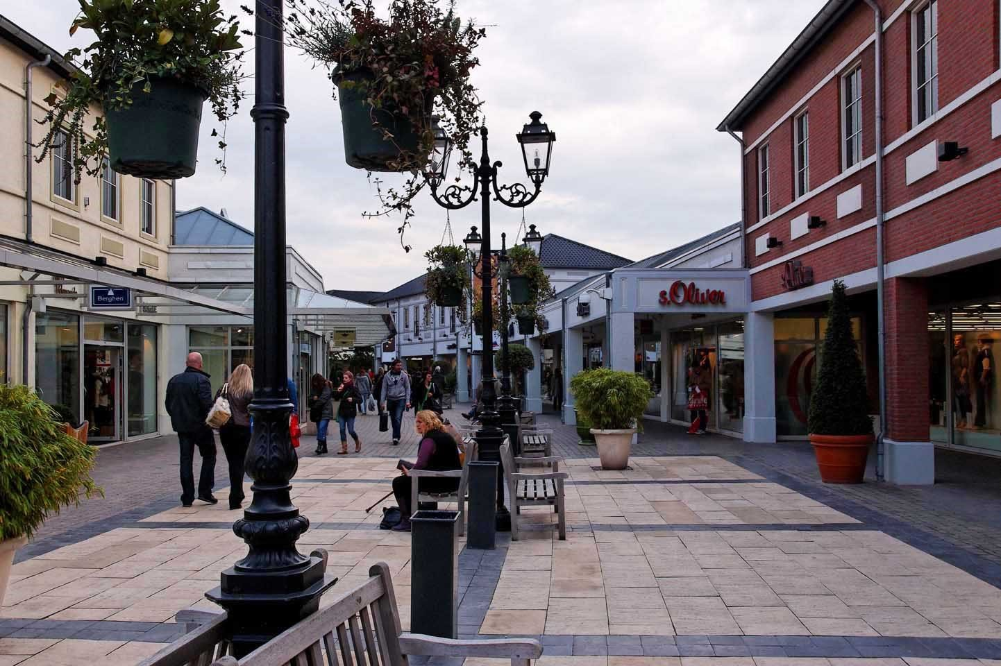 Designer outlet roermond for Design outlet